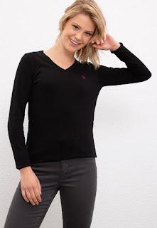 U.S. Polo Assn. - Дамски Пуловер с шпиц деколте