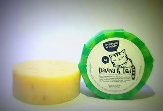 DAVINA & DAD OATMEAL SOAP Untuk EKSIM dan KULIT SENSITIF