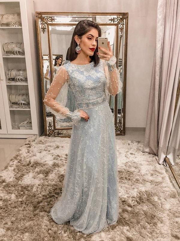 vestido longo azul serenity com pérolas bordadas