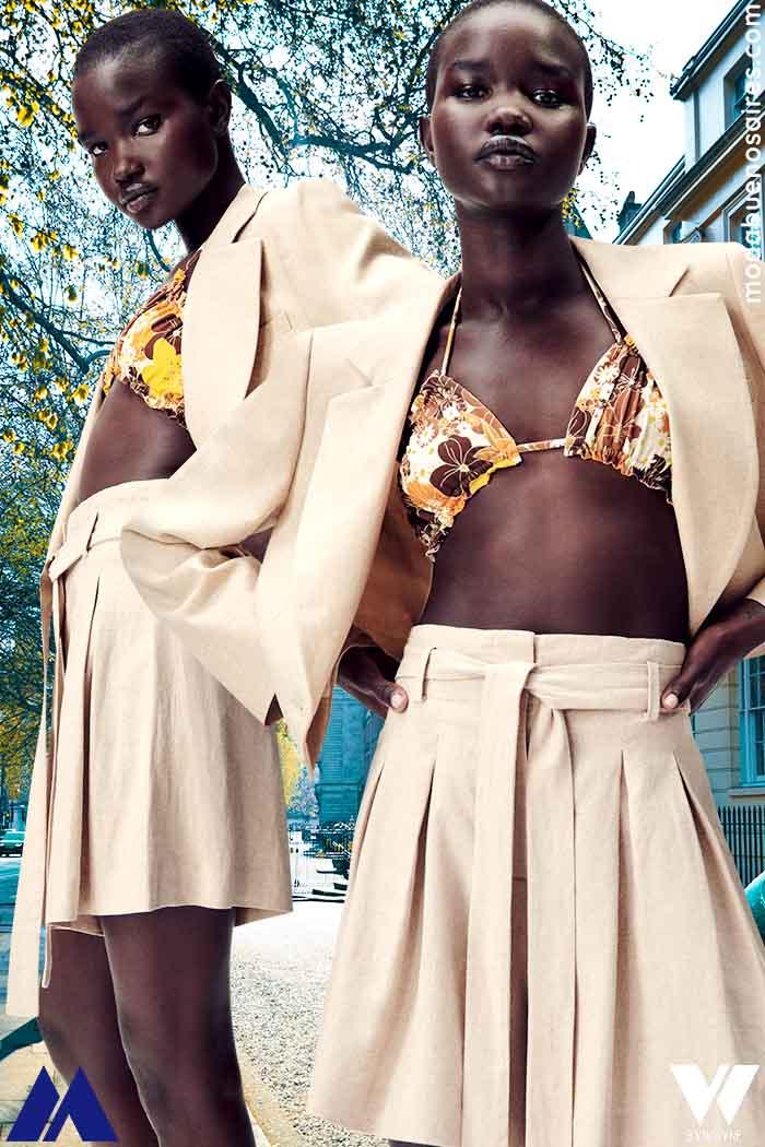 saco corto y pollera minifalda tableada moda verano 2022 para mujer