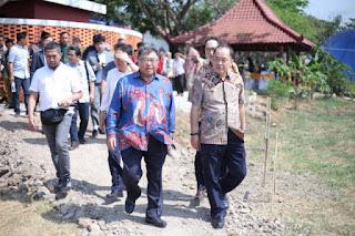 Cirebon Power Dan Komipo  Bangun Taman Cirebon Sebagai Wujud Komunikasi  Dengan Masyarakat