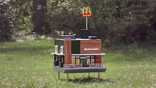 McDonalds-abre-su-primer restaurante-miniatura-exclusivo-para-abejas