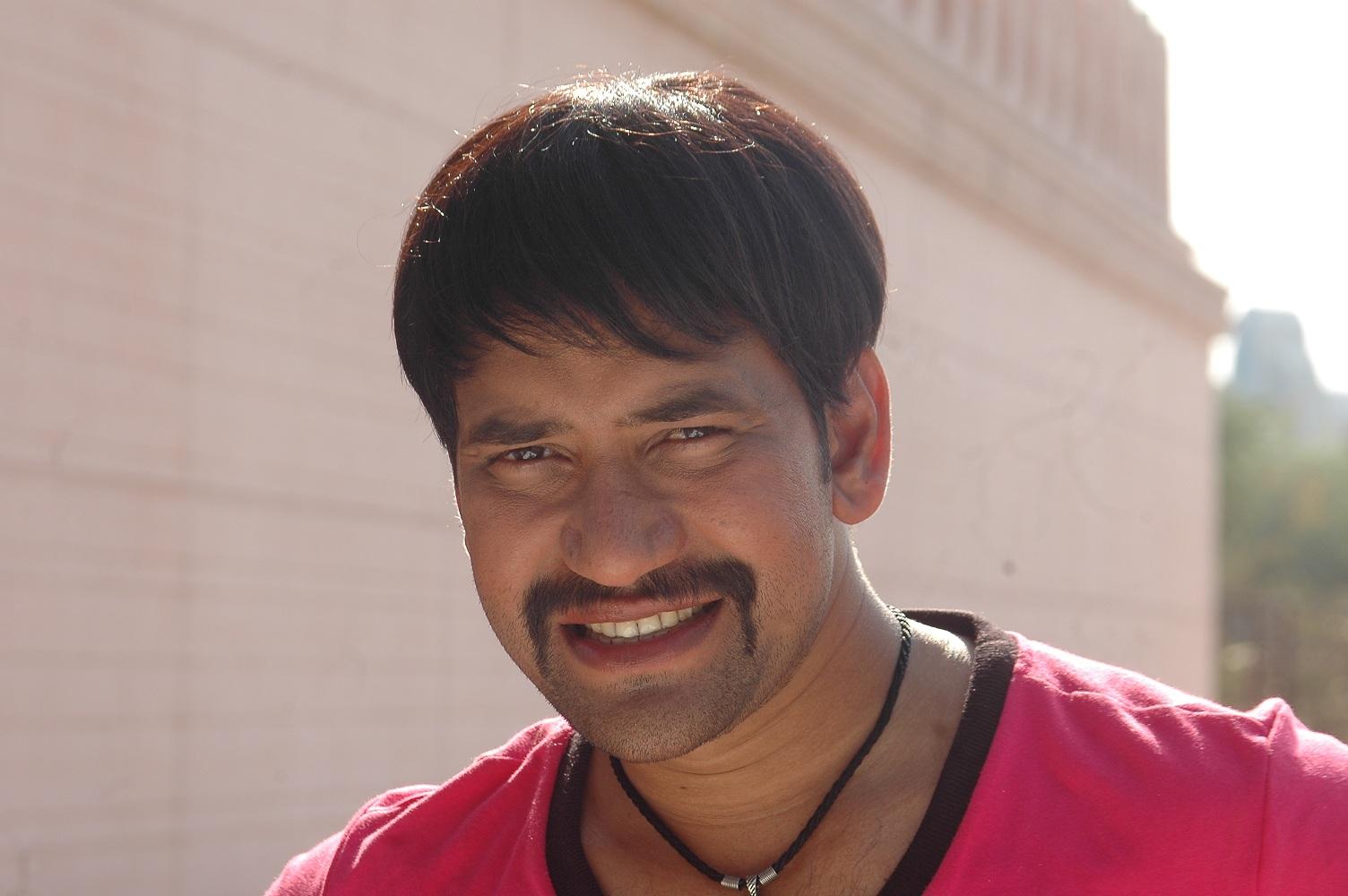 Dinesh Lal Yadav Wiki Biography, Age, Personal Profile, Video