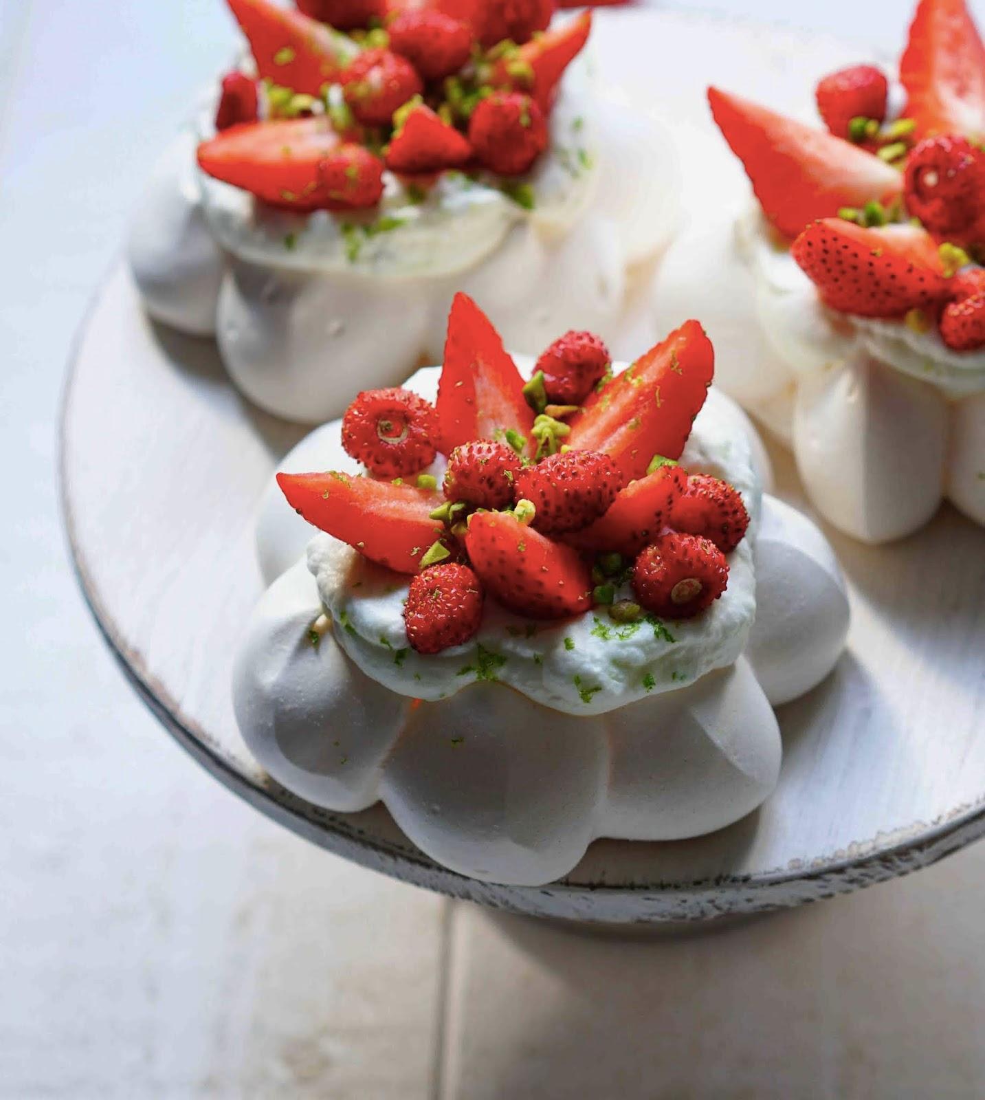 dessert chic , dessert aux fraises , recette de saison , meringaie