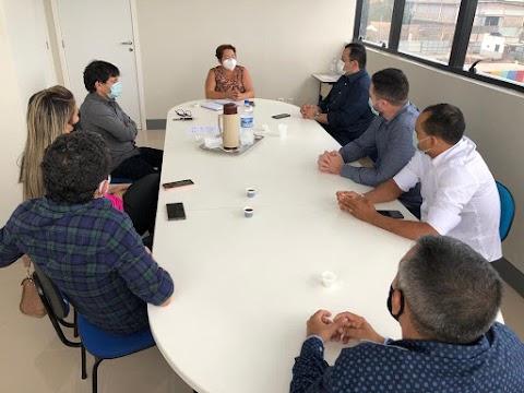 Vinicius Louro e prefeita de Serrano do Maranhão apresentam demandas a superintendente do INCRA