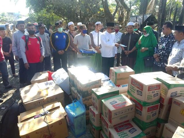 Pemerintah Aceh Salurkan Bantuan Untuk Pesantren Serambi Mekkah Aceh Barat