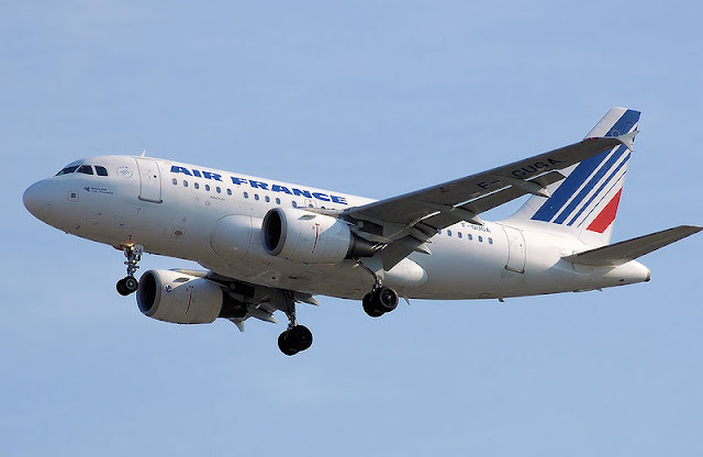 Gambar Pesawat Airbus A318 07