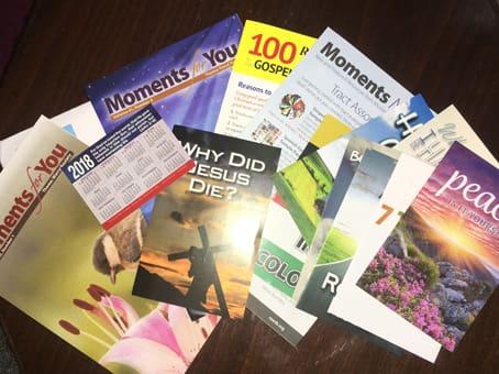 اثبات وصول كتب و بطاقات و ملصقات من أمريكا في ضرف 20 يوم