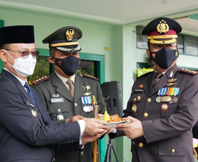 HUT TNI ke-76, Kapolresta Pontianak Kota rayakan di Markas Komando Kodim 1207/Pontianak