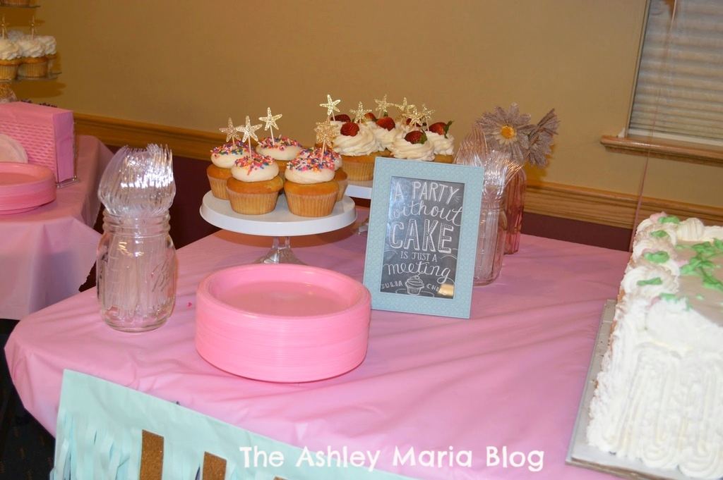 The Ashley Maria Blog: DIY   Cake Stands