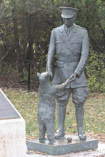 Statue of Winnie The Bear and Harry Colebourn