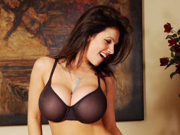 Denise Milani Big Cleavage Hot Bollywood News-4577