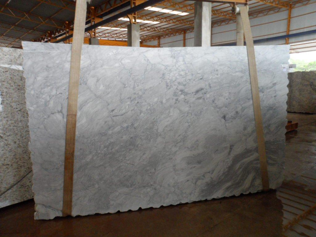 white quartzite countertops cost where to buy quartzite countertops 693