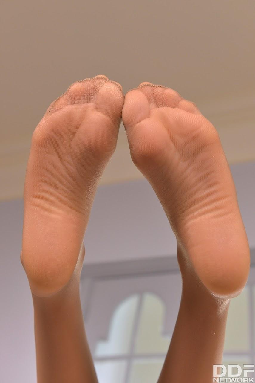 [Hot Legs & Feet] Nancy A - Breath-Taking Looks