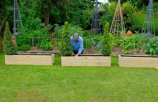 Alan Titchmarsh planters