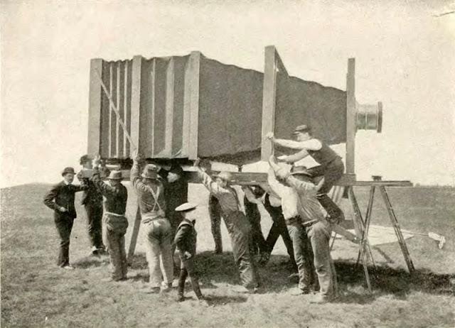 Nel 1900 era la più grande macchina fotografica del mondo