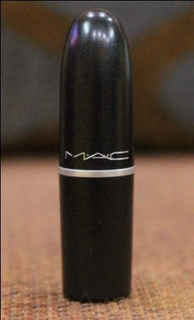 MAC Lady Danger Lipstick: Review, Pictures & Face Of The Day (FOTD)