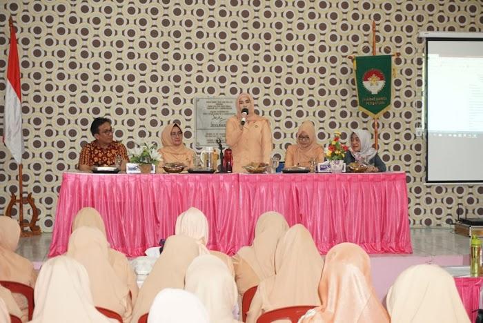 Hj Winarni Nanang Ermanto,Himbau Pengurus/ Anggota Dharma Wanita Persatuan Harus Bijak Dalam Bermedsos.