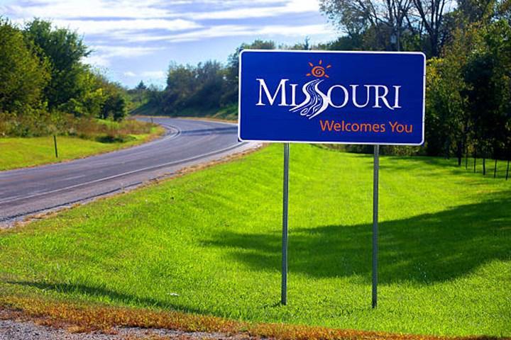 Missouri'deki, Cool Valley belediye başkanı herkese 1000 dolar vermek istiyor