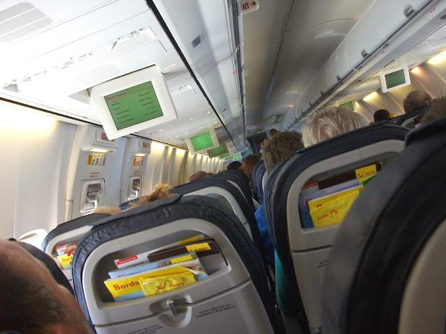 TUIfly Flugzeug auf dem Weg nach Frankfurt