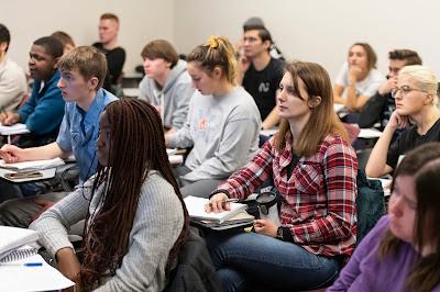 UIS announces Fall Semester 2019 Dean's List