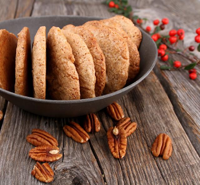 Oppskrift Veganske Kryddercookies Pekannøtter Julecookies Allehånde Kanel Kardemomme Hjemmebakte