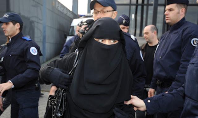 Larangan Cadar seperti Meniru Kebijakan Sekuler Perancis