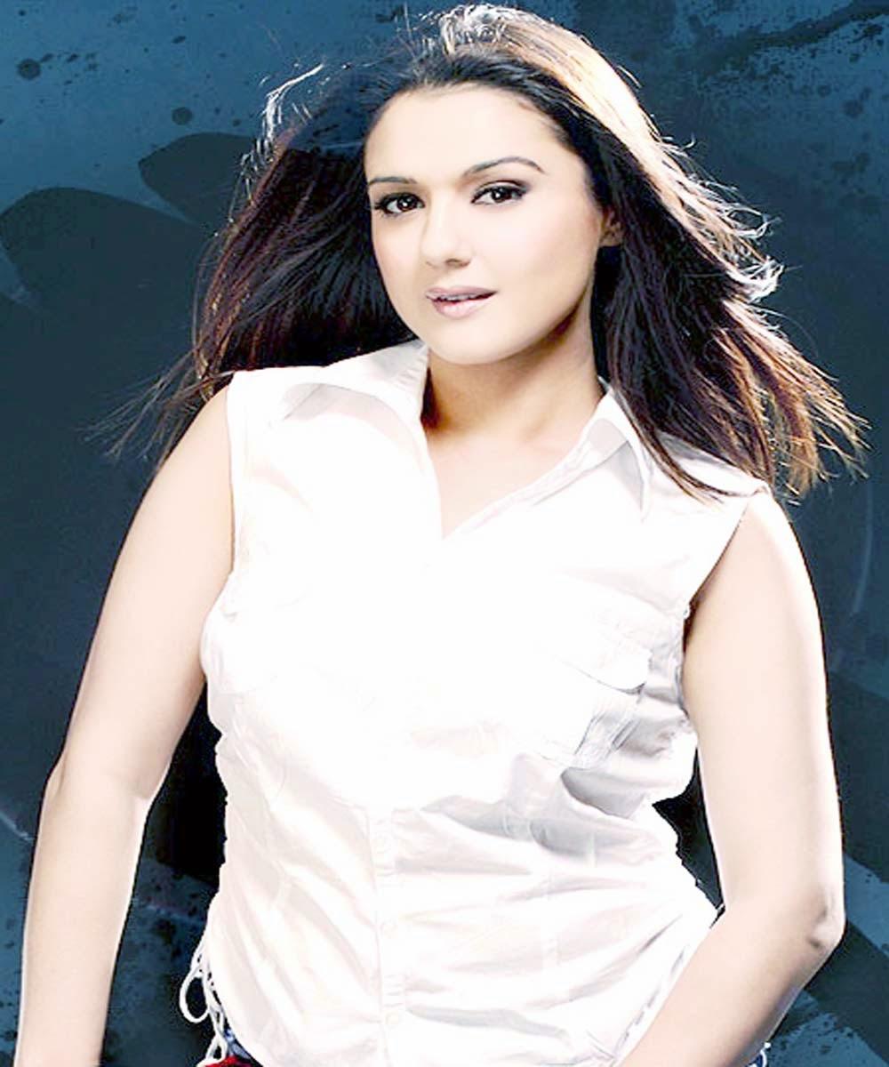 Foto Bugil Preity Zinta