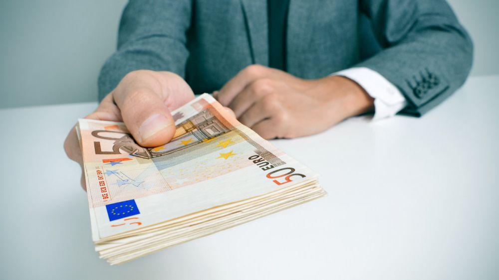 Επίδομα 534 ευρώ: Αυξάνονται οι δικαιούχοι – Ποιοι θα κάνουν αίτηση & πώς