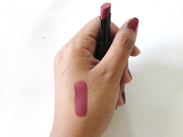make-over-ultra-hi-matte-lipstick-015
