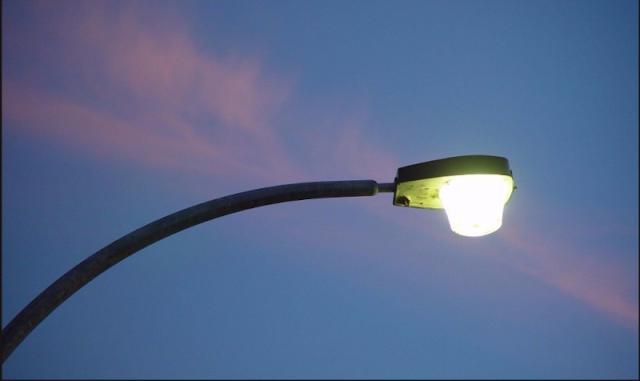 Ακυρώθηκε ο διαγωνισμός για τον ηλεκτροφωτισμό στο οδικό δίκτυο της Περιφέρειας