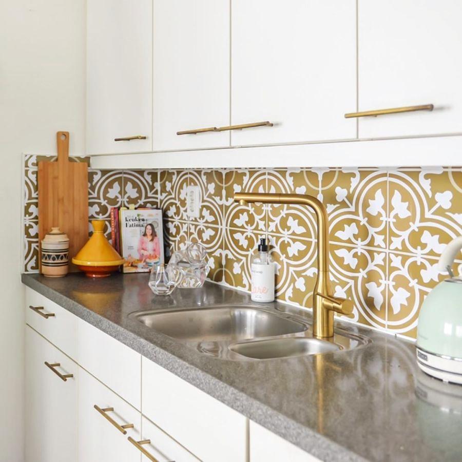 Skandynawski apartament z arabskimi akcentami, wystrój wnętrz, wnętrza, urządzanie domu, dekoracje wnętrz, aranżacja wnętrz, inspiracje wnętrz,interior design , dom i wnętrze, aranżacja mieszkania, modne wnętrza, styl skandynawski, scandinavian style, otwarta przestrzeń, open space, kuchnia, kitchen
