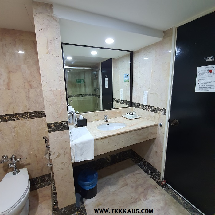 Bayview Hotel Melaka Bathroom Toilet Pictures