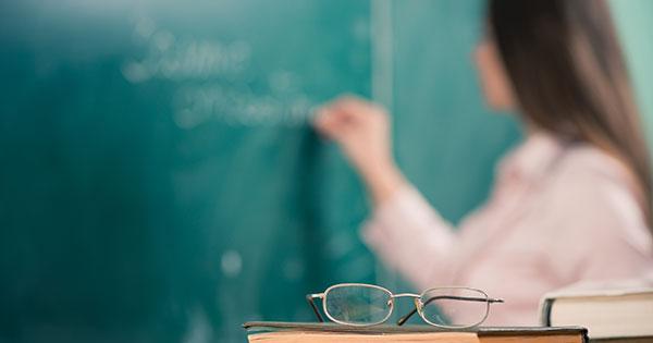 Professores do Estado recebem quarto reajuste; aumentos salariais já somam 38%