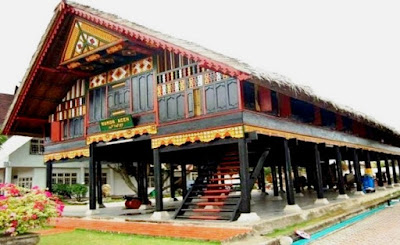 foto rumah adat indonesia