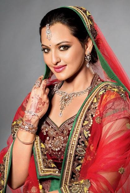 Sonakshi Sinha Sexy Post