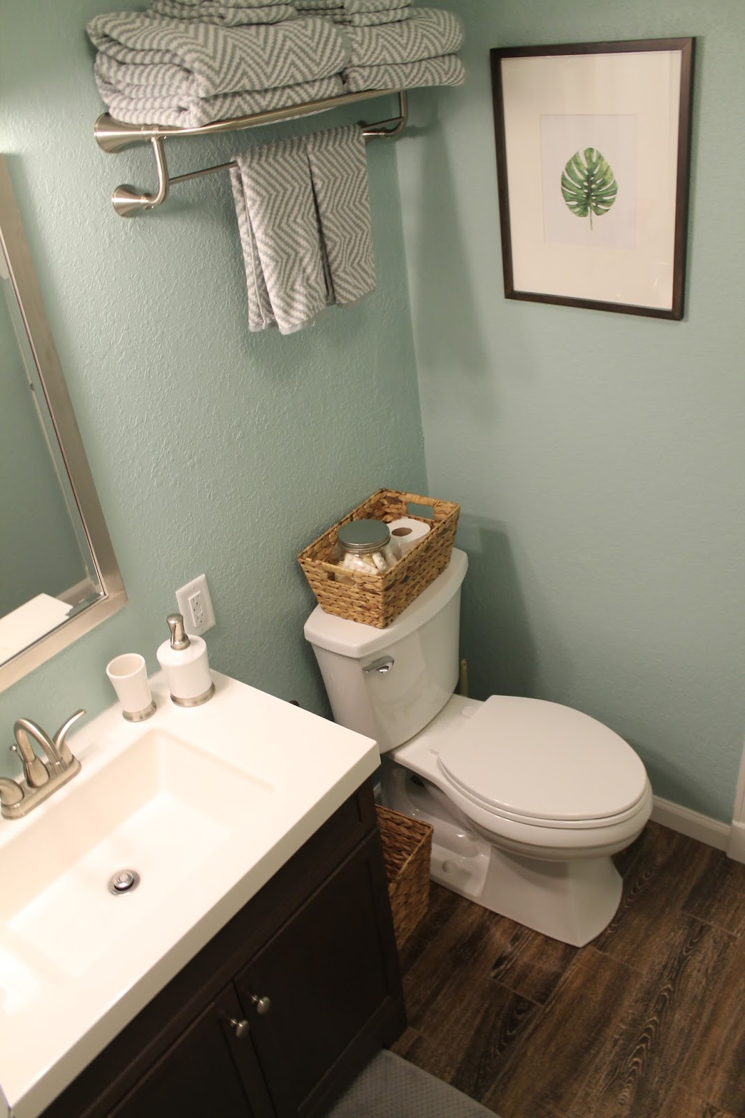 Pugs & Pearls: Guest Bathroom Remodel - The After!