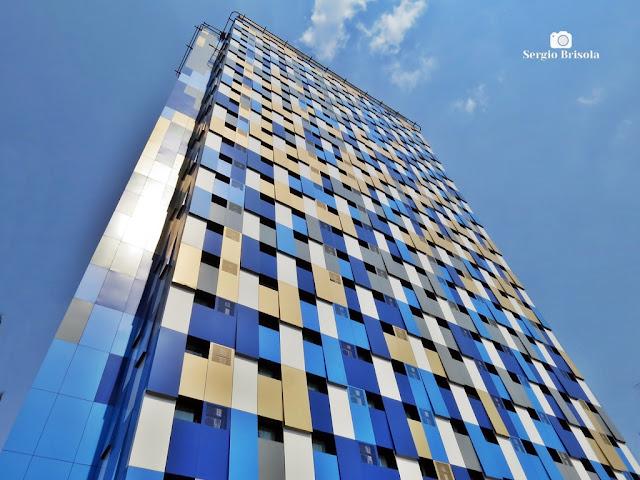 Perspectiva inferior da fachada do WZ Hotel Jardins - Cerqueira César - São Paulo