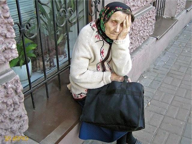 Дети выгнали бабушку из квартиры, а деньги разделили между собой