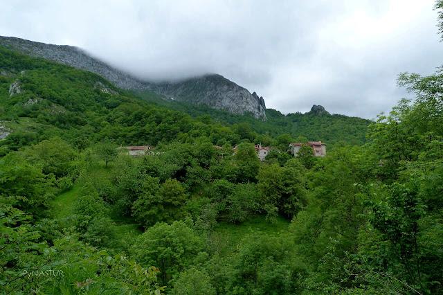 Pueblo de Sobrefoz - Ponga - Asturias