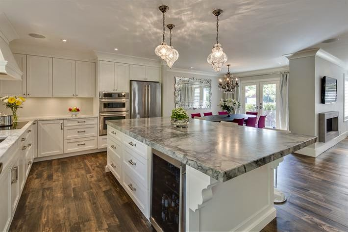 Nuevos espacios para una cocina cl sica cocinas con for Cocinas clasicas