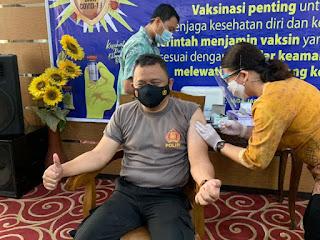 Kapolresta Mataram Bangga Divaksin Pertama