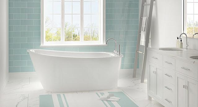Aquatic clawfoot bathtub