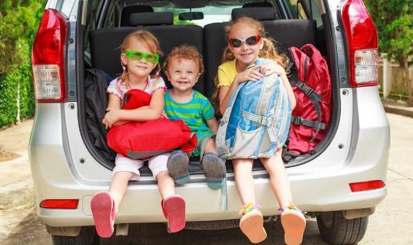 Menjaga Anak Tetap Sehat Saat Bepergian