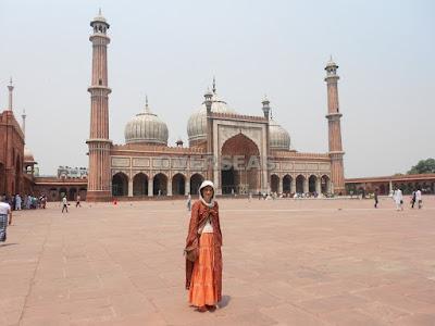 http://overseasfueradetusfronteras.blogspot.com.es/2014/06/mujer-viajando-sola-por-india.html