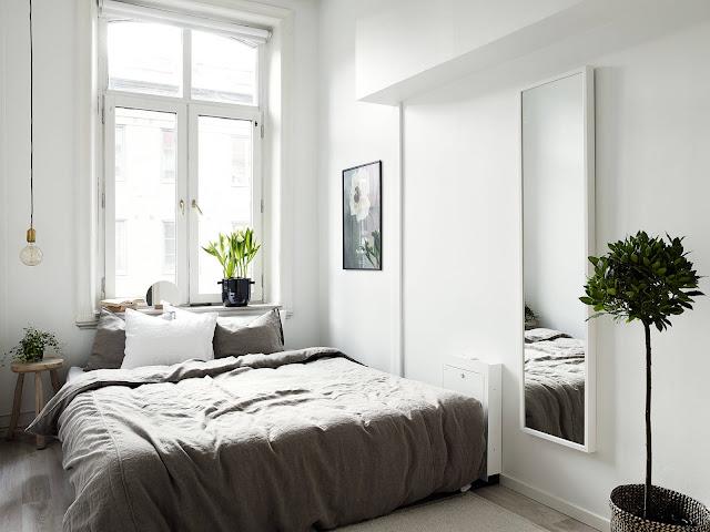lampa żarówka, mała sypialnia