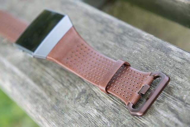đồng-hồ-thông-minh-Fitbit-Ionic