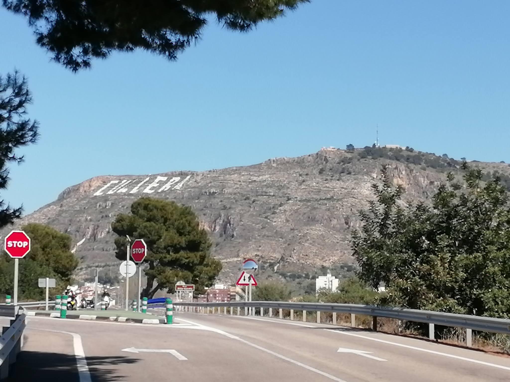Sierra de los Zorros in Cullera, seen from the south
