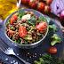 Sirve en la cena una rica y sana ensalada de lentejas
