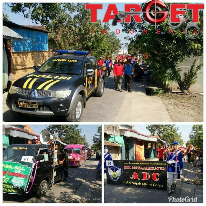 Karnaval Dalam Rangka Sedekah Bumi Dan Haul Wali Qoryah Mbah Surgi Kamandowo Ke 22 di Desa Sundoluhur Berlangsung Meriah